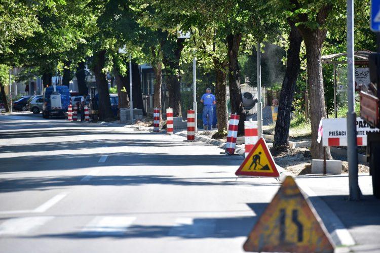 """""""Građenje Đurić"""" profitira na borbi Kaje i Čorokala"""
