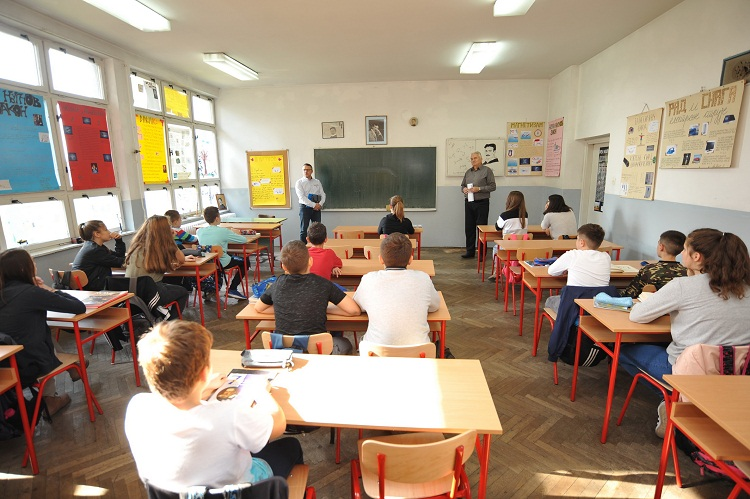 Kompanija Mikrofin U Posjeti Banjaluckim Skolama Blmojgrad